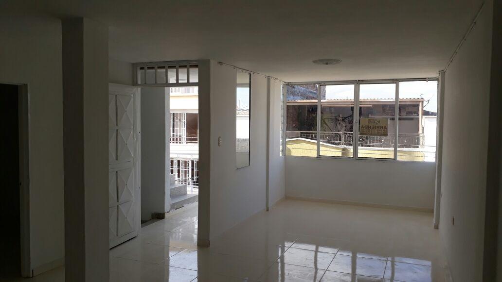 Se Arrienda Apartamento piso 3 Barrio El Lago: CALLE 38C 20-28