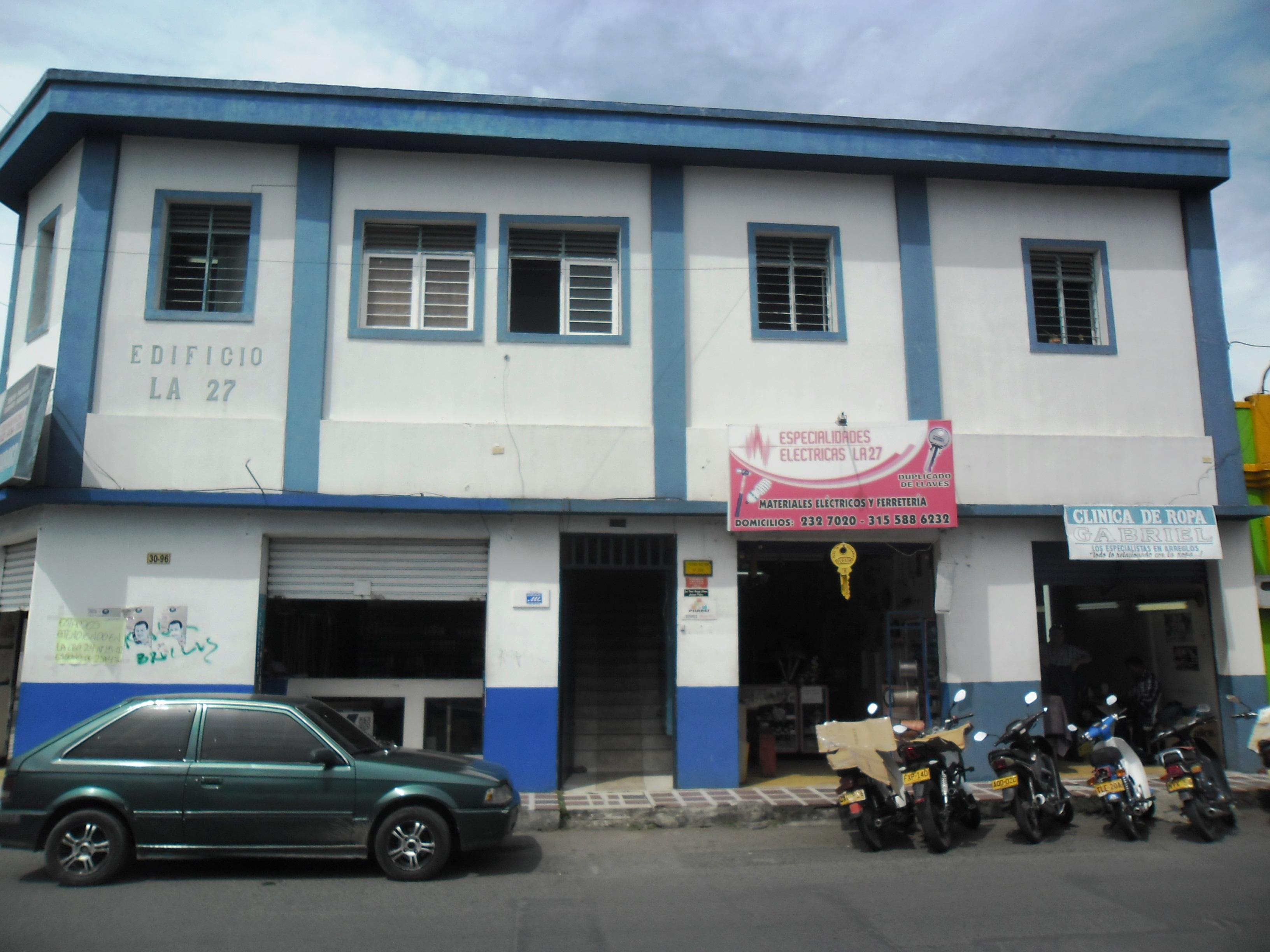 Se arrienda oficina, 205 barrio Franciscanos: CLL27 30-94