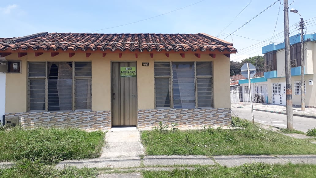 Se Arrienda Casa Barrio la Graciela cra 25A # 10-04